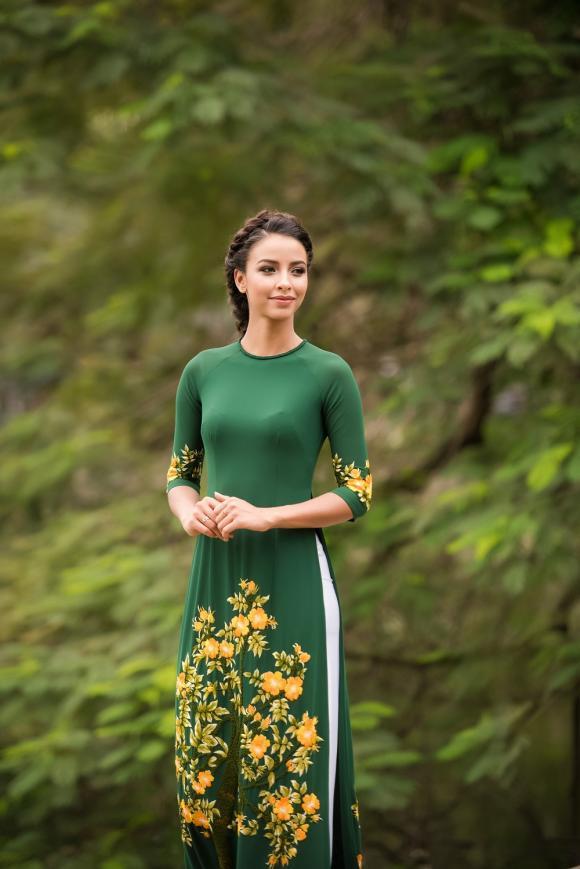 Hoa hậu Pháp, Hoa hậu Pháp diện áo dài, Hoa hậu Pháp Flora