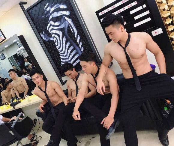 Tiệm tóc toàn trai đẹp, tiệm tóc trai đẹp, trai đẹp, tiệm tóc hà nội lên báo thái