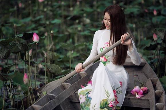 Tina Nguyễn, Á khôi Tina Nguyễn, Sao Việt