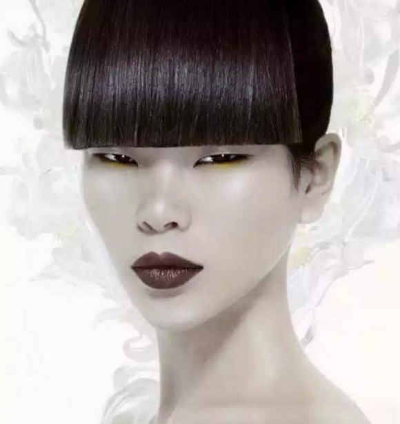 Cuộc đời của người mẫu, người mẫu có khuôn mặt xấu kì lạ, người mẫu có gương mặt xấu