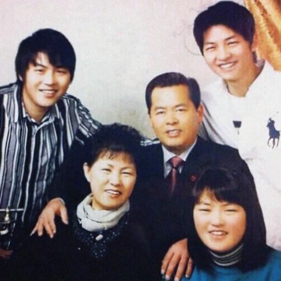 chuyện làng sao,sao Hàn,bố của Song Joong Ki,Song Hye Kyo,Song Joong Ki,Song Joong Ki - Song Hye Kyo kết ho