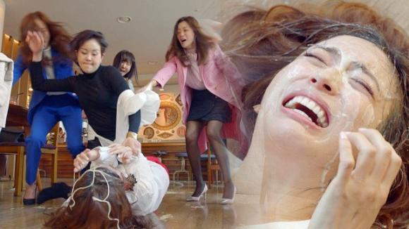 toàn cảnh phim,phim Hàn,Kim Hee Sun,phim của Kim Hee Sun gây sốc,phụ nữ đánh nhau trong phim