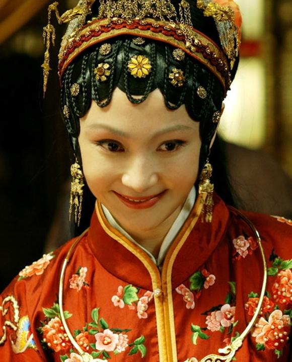 Sao Hoa ngữ, Diêu Địch, Tân Hồng lâu mộng, Diêu Địch cặp kè đại gia