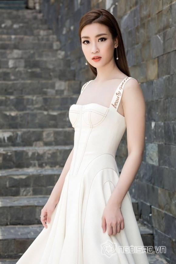 Hoa hậu Mỹ Linh, Hoa hậu Mỹ Linh lộ áo ngực, Mỹ Linh, Đỗ Mỹ Linh