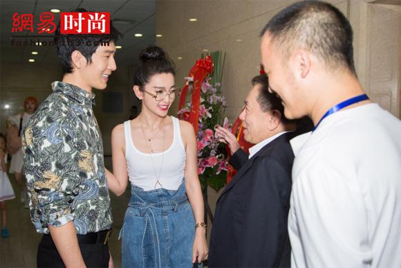 Ly Bang Bang khien dan em trong nghe 'phat ghen' vi dieu nay