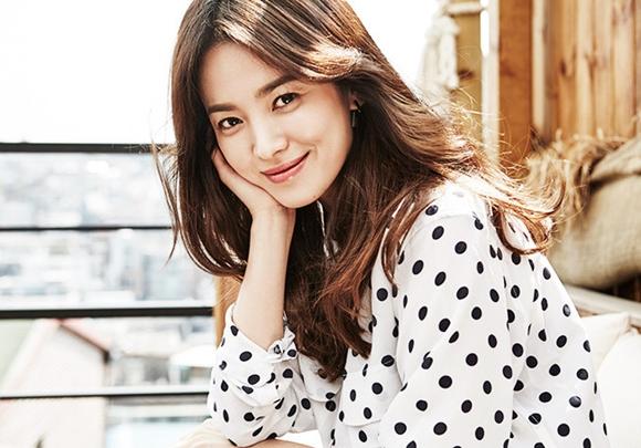sao Hàn, Song Hye Kyo, gia đình của Song Hye Kyo, tuổi thơ Song Hye Kyo, Song Joong Ki và Song Hye Kyo kết hôn