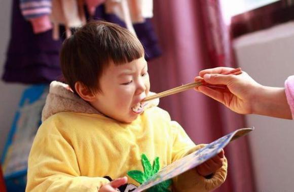 liệu con bạn có hư hỏng, trẻ hư, nuông chiều con quá mức và hậu quả khôn lường, yêu con, nuông chiều con cái
