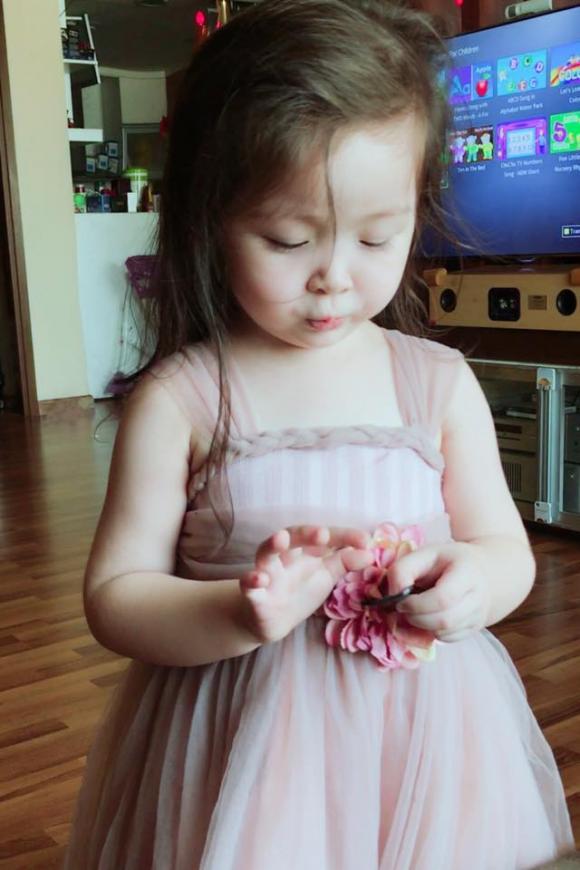 Cadie Mộc Trà, con gái Elly Trần, Elly Trần,album ảnh sao,sao Việt