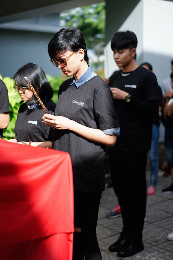 Ngô Thanh Vân trẻ cả chục tuổi với tóc tomboy, khai máy phim tết