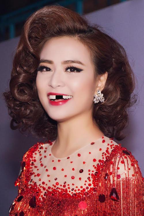chuyện làng sao,sao Việtsao Việt sún răng,sao sún răng,showbiz Việt,gái xinh