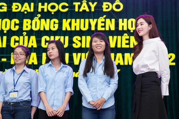 chuyện làng sao,sao Việt,Thu Thảo,Đặng Thu Thảo,Hoa hậu Thu Thảo