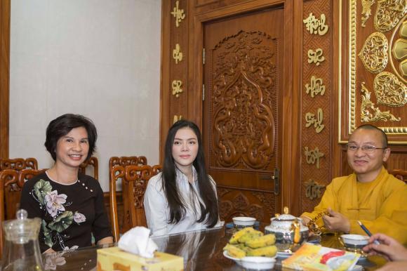 chuyện làng sao,sao Việt,Lý Nhã Kỳ,công chúa Lý Nhã Kỳ,lễ Vu Lan báo hiếu