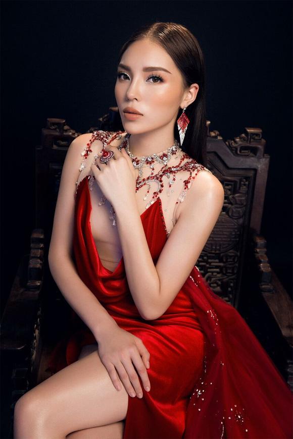 Kỳ Duyên, hoa hậu Kỳ Duyên, Lan Khuê, Kỳ Duyên đụng hàng,thời trang sao,sao Việt
