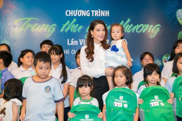 Trương Ngọc Ánh, Đoan Trang, trung thu 2017, sao việt
