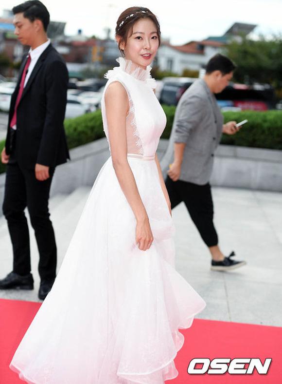 Korea Drama Awards, Hoa hậu Hàn, Idol Hàn, sao Hàn trên thảm đỏ Korea Drama Awards