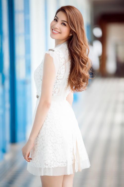 Hoa hậu phạm hương,hoa hậu hoàn vũ việt nam,phạm hương trở lại nha trang,Hoa hậu,sao Việt