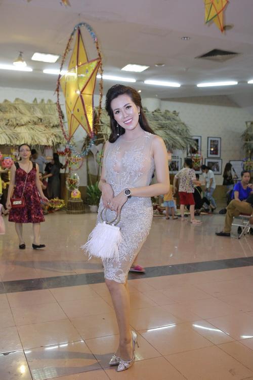 Mc vân hugo,thanh vân hugo,vân hugo hóa chị hằng,thời trang sao,sao Việt