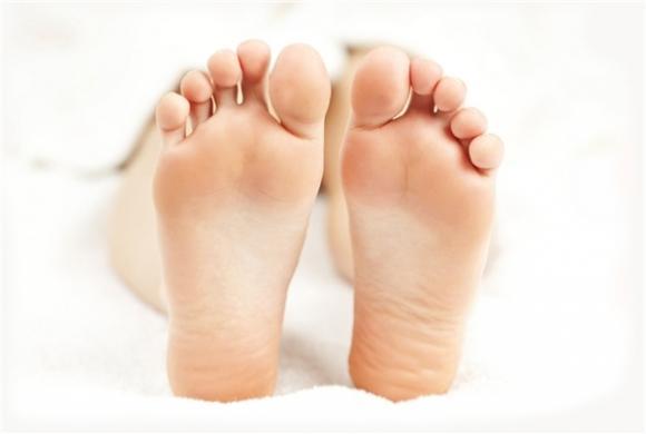 tướng bàn chân, xem bàn chân, nhìn bàn chân đoán số, bàn chân phụ nữ có tướng giàu