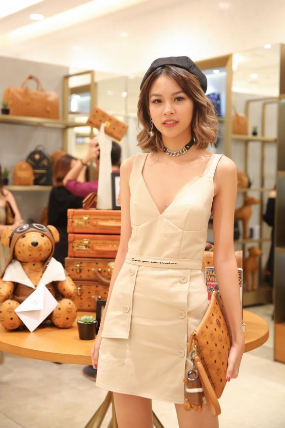 thời trang sao,sao Việt,Angela Phương Trinh,Trương Quỳnh Anh
