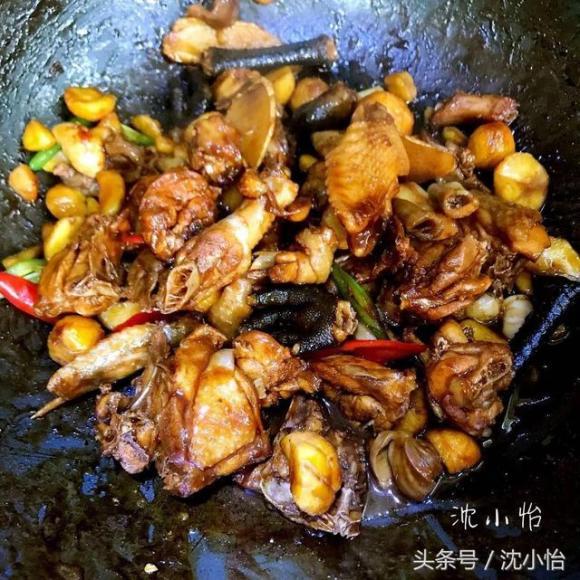 gà om hạt dẻ, cách làm gà om hạt dẻ, các món ăn với gà,ăn ngon,địa chỉ ăn ngon