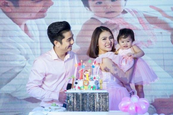 Vân Trang và chồng đại gia tổ chức sinh nhật 1 tuổi hoành tráng cho con gái cưng