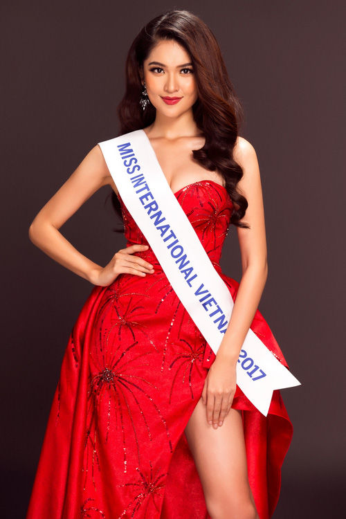 Hoa hậu,sao Việt,Hoa hậu Quốc tế 2017,Thùy Dung,Thùy Dung đụng váy
