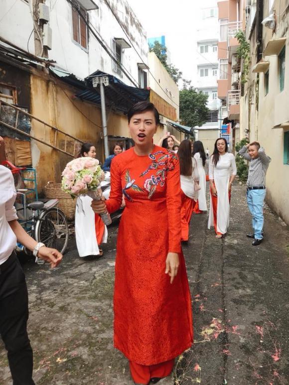 chuyện làng sao,nữ diễn viên ngô thanh vân, ngô thanh vân kết hôn, ngô thanh vân áo dài đỏ, ngô thanh vân trong lễ rước dâu, sao Việt