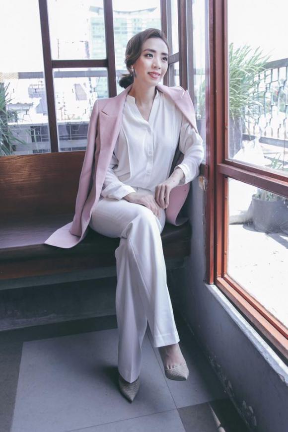 Chán nhí nhố, 'Hoa hậu hài' Thu Trang chuyển sang thần thái sang chảnh