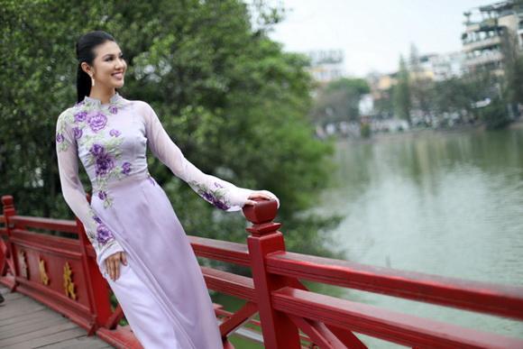 Hoa hậu hòa bình thế giới,thời trang đức hùng,áo dài đức hùng,thời trang sao