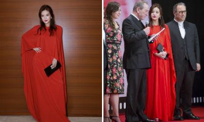 diễn viên Triệu Vy,Triệu Vy tươi tắn, vợ chồng triệu vy gian lận chứng khoán