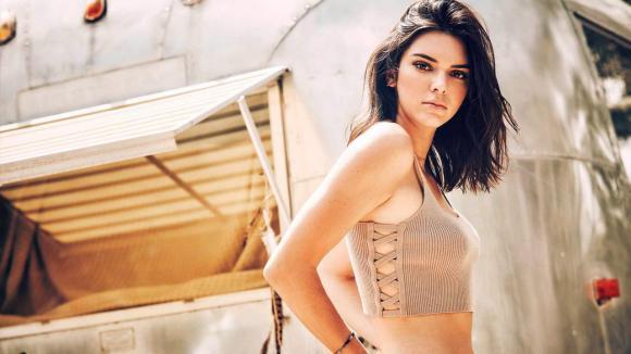 nhà sao,siêu mẫu 9x Kendall Jenner,tính cách nổi loạn của Kendall Jenner,em gái kim siêu vòng ba Kendall Jenner, sao Hollywood