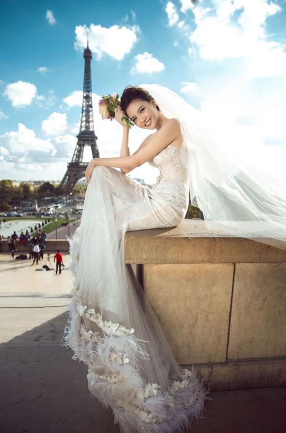 """Bộ ảnh cưới lãng mạn tại Pháp của """"Nữ hoàng sắc đẹp"""" Ngọc Duyên và hôn phu hơn 18 tuổi"""