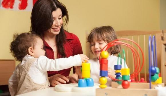 dạy con không tranh cướp đồ chơi, dạy con, cách dạy con không tranh giành đồ chơi