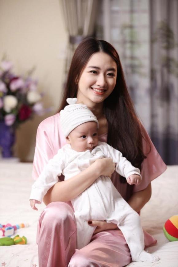 Hoa hậu Thu Ngân, Hoa hậu Thu Ngân và con, sao Việt