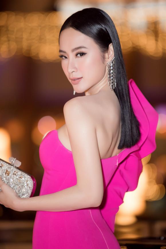 angela-phuong-trinh-2-ngoisao.vn-w1667-h2500 0