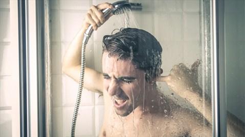 Gội đầu sau khi tắm, sai lầm khi tắm, sức khỏe