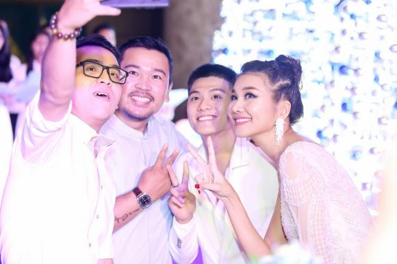 Thanh Hằng, người mẫu Thanh Hằng, mẹ chồng Thanh Hằng