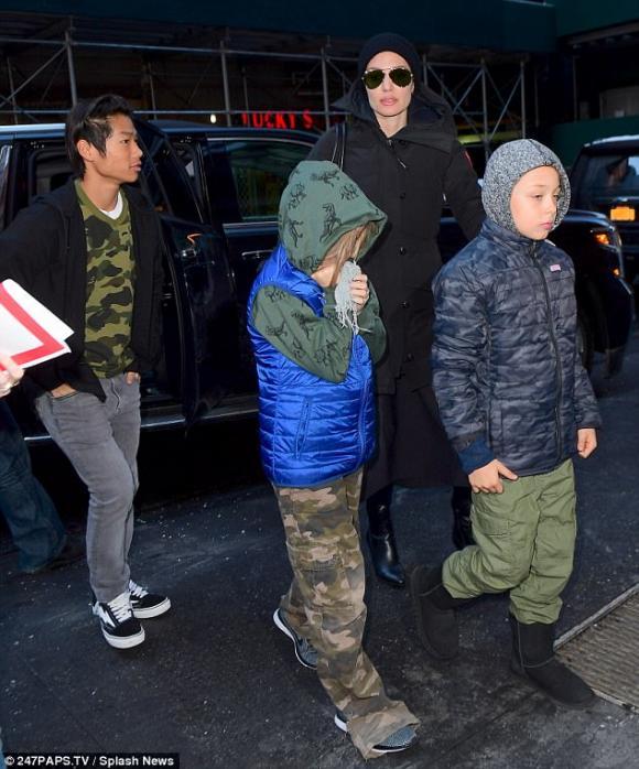 Pax Thiên,con trai nuôi gốc Việt Pax Thiên,Angelina Jolie và các con