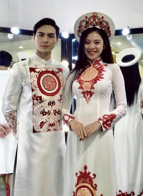 Chúng Huyền Thanh đi thử đồ cưới, chuẩn bị làm đám hỏi vào 23/12