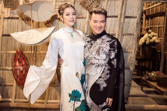 Áo dài của Lý Nhã Kỳ đấu giá được 500 triệu đồng trong show thời trang Đinh Văn Thơ