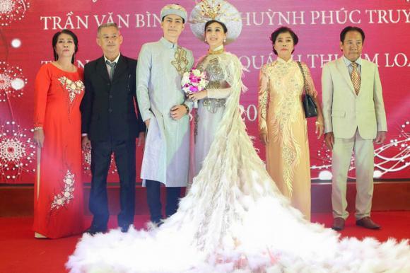 váy cưới, váy cưới sao, váy cưới đẹp nhất trong năm 2017