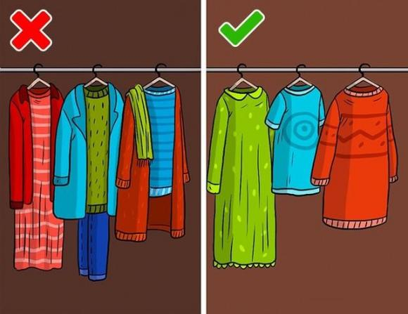 Cách treo quần áo trong tủ ai cũng làm hóa ra sai bét, bảo sao hàng hiệu cũng nhanh hỏng