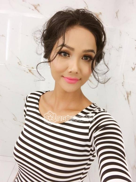 H'Hen Niê, Tân hoa hậu Hoàn vũ 2017