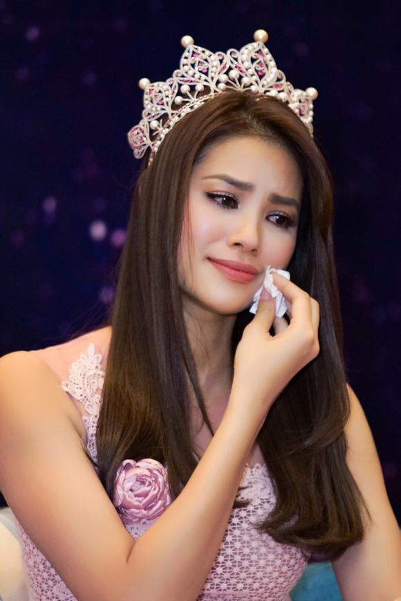H'Hen Niê, hoa hậu hoàn vũ 2017, mỹ nhân việt có gia cảnh khó khăn