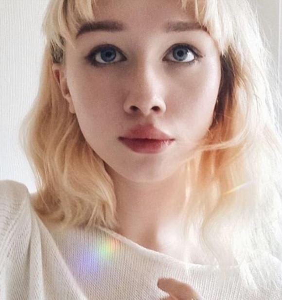 gương mặt xinh như búp bê, mặt mộc, búp bê,Hailey Wait