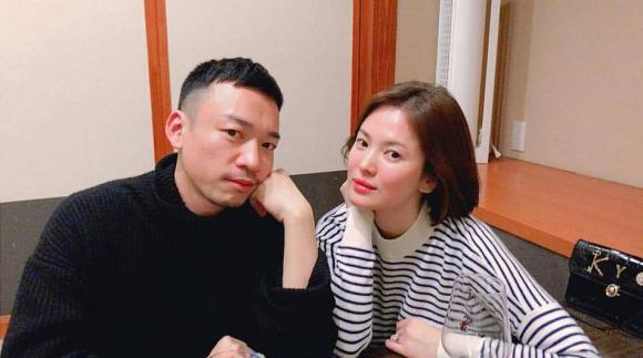 Diễn viên Song Hye Kyo,Song Hye Kyo và Song Joong Ki, du lịch nhật bản, đăng ảnh với trai lạ