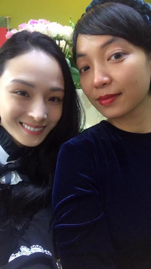 https://media.ngoisao.vn/resize_580/news/2018/01/15/hoa-hau-phuong-nga-hien-tai-1-ngoisao.vn-w505-h898.jpg