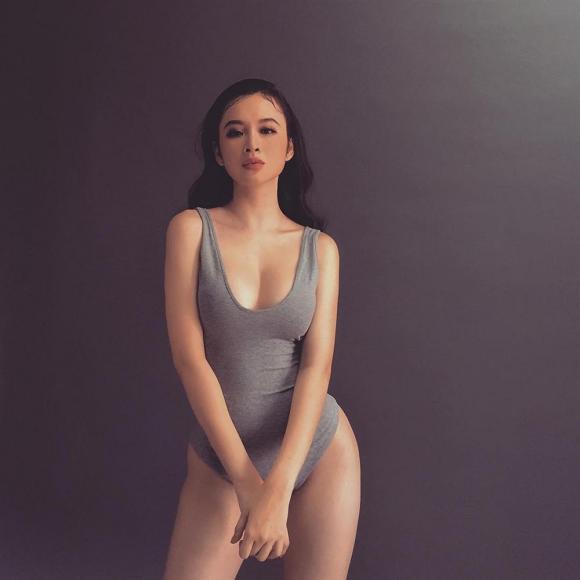 Angela Phương Trinh, nàng tiên cá, bà mẹ nhí