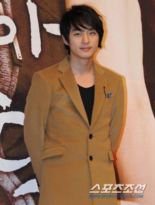 jeon tae soo, em trai ha ji won, qua đời vì trầm cảm