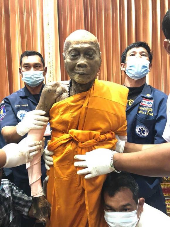 nhà sư Thái Lan, xác nhà sư, xác không phân hủy